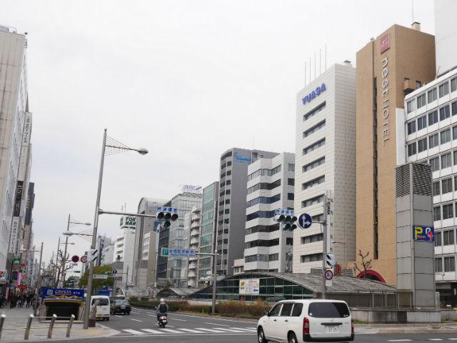長堀橋駅から見た東急ハンズ心斎橋駅