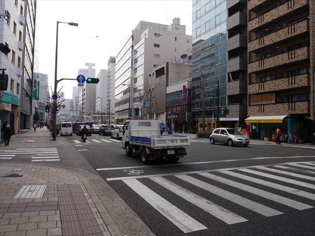 堺筋の道路
