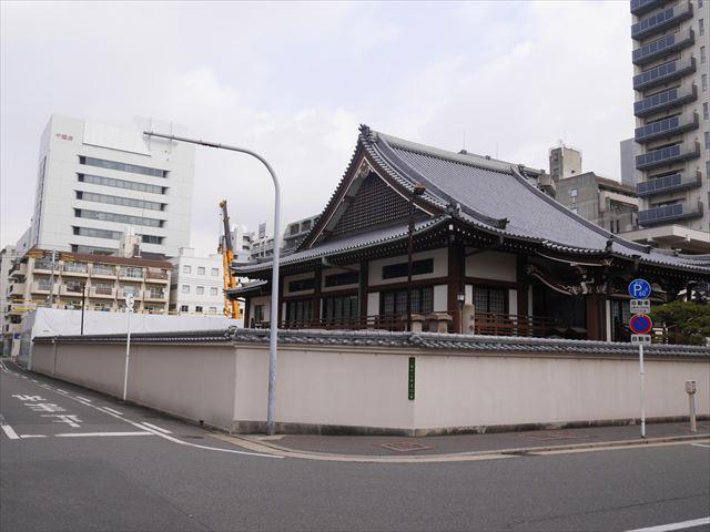 龍海寺とエルグレースタワー大阪同心