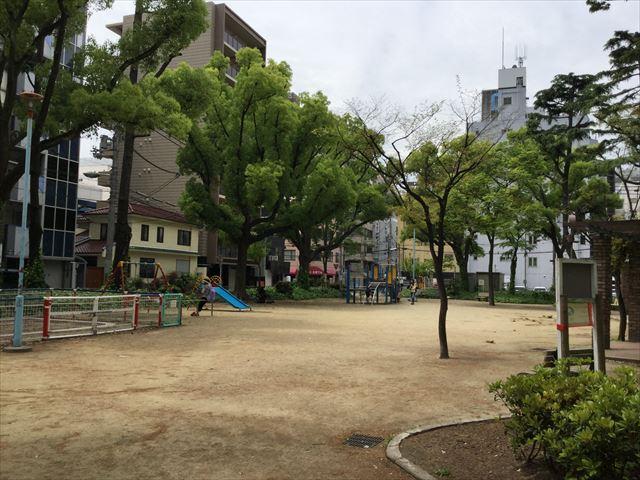 新阿波座公園