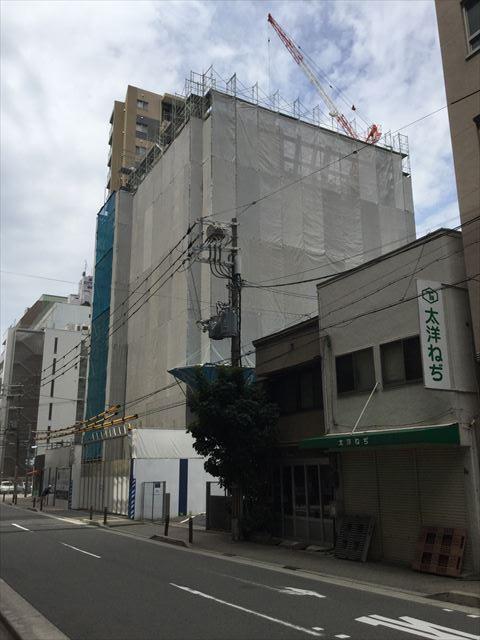 新築マンション「グランドメゾン立売堀一丁目」右手から撮影
