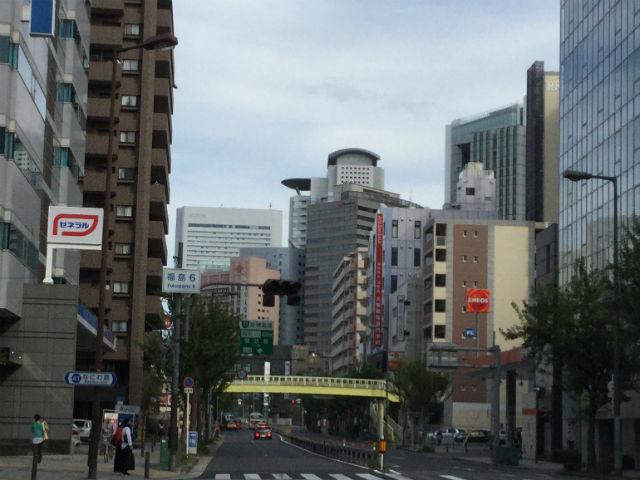 福島周辺から見たヒルトン梅田ビル