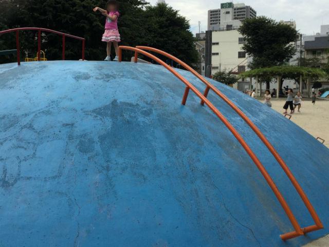 石ケ辻公園の遊具