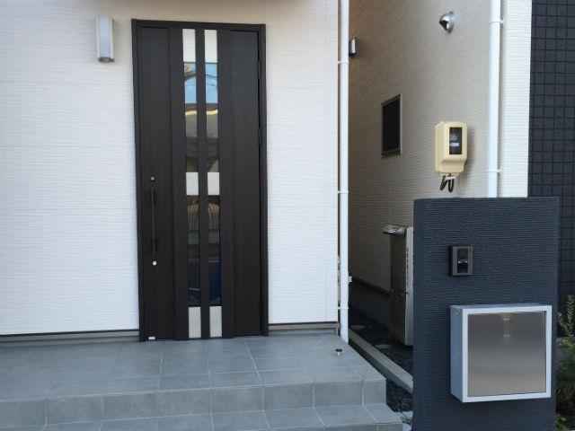 一戸建て住宅の入口