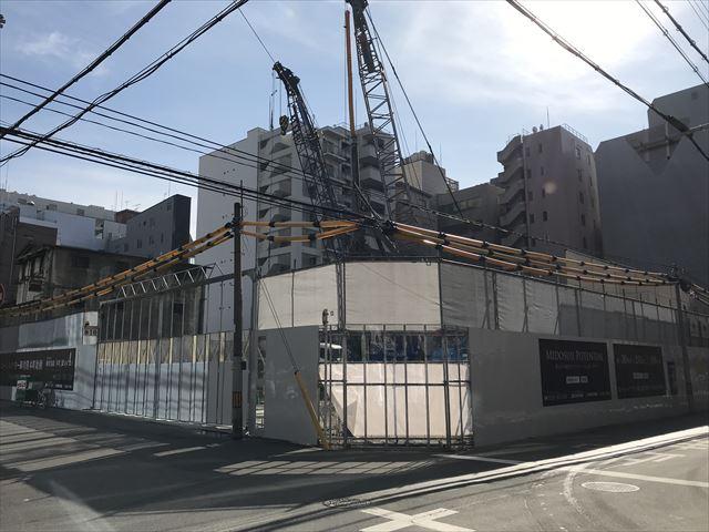 「ローレルタワー御堂筋本町」建設中、斜め前から撮影