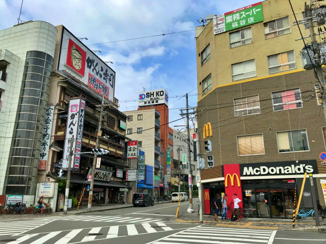 JR桃谷駅前、がんこ寿司・マクドナルド