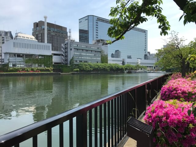 大川北沿いから天満橋を撮影