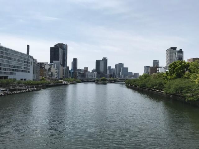 天満橋から西側の大川を撮影