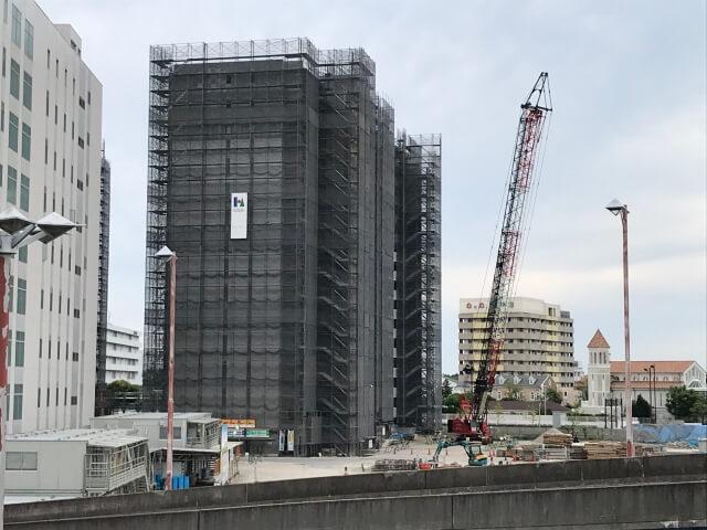 コスモスクエア駅から見た「大阪ベイレジデンス」